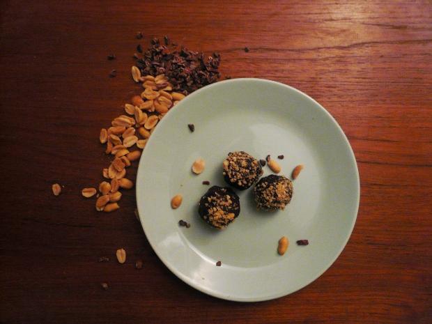Raw Peanut Butter Protein Balls