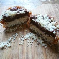 Raw 'Bounty' cupcakes